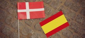 bandera-de-dinamarca-en-radhuspladsen